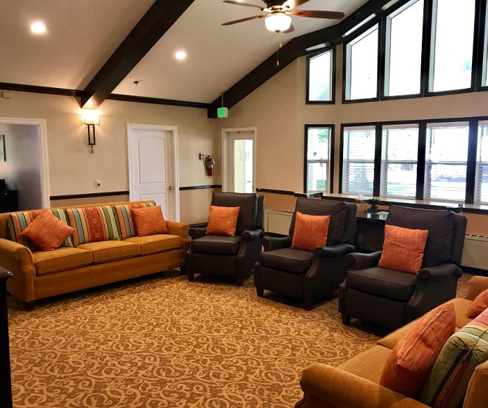 Living room in the clubhouse at Pacifica Senior Living Lynnwood