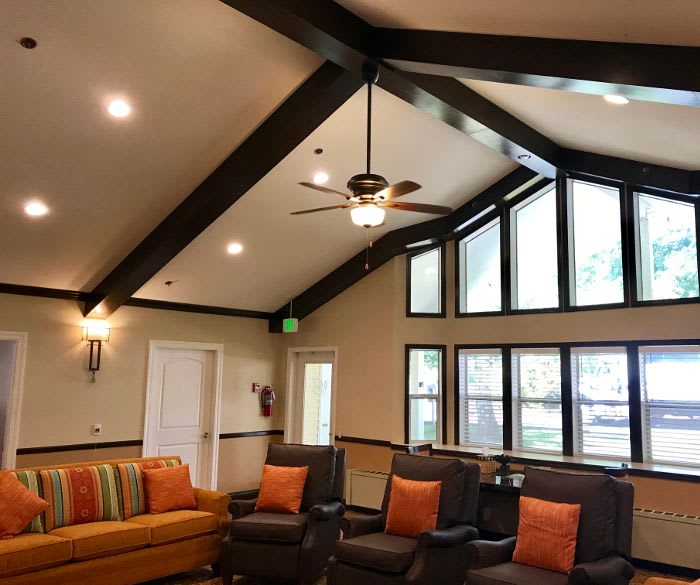 Comfortable living room in the clubhouse at Pacifica Senior Living Lynnwood