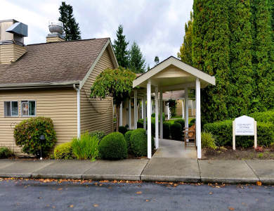 Pacifica Senior Living Snohomish's entrance