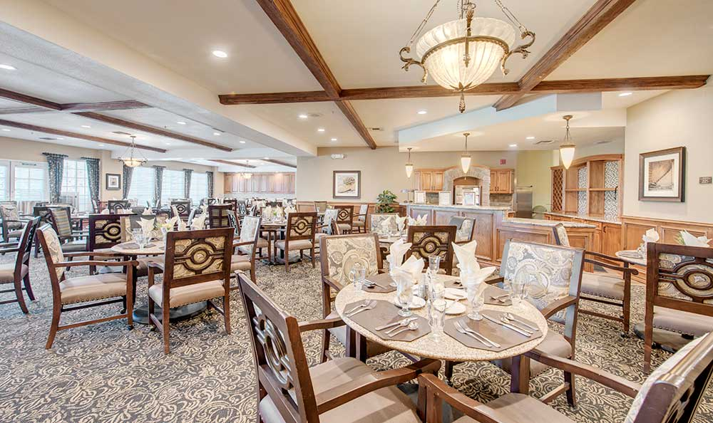 Community Dining Experience In Anaheim Senior Living Community