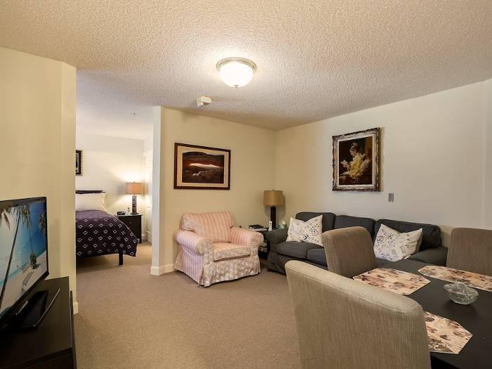 Grand apartment in Heartland