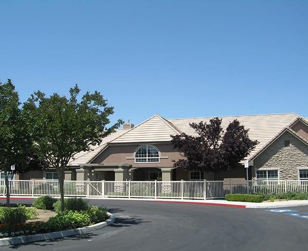 Services and amenities at Pacifica Senior Living Bakersfield