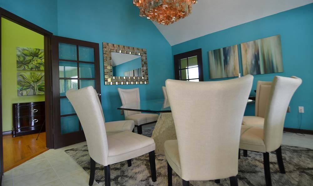 Dining Room Table at Tamarac Apartments