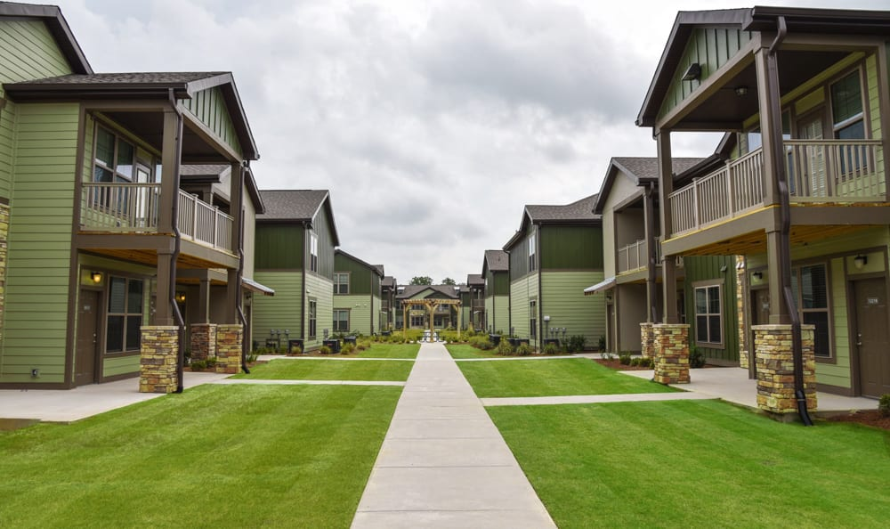 Exterior of apartments at Springs at Fremaux Town Center Apartments in Slidell