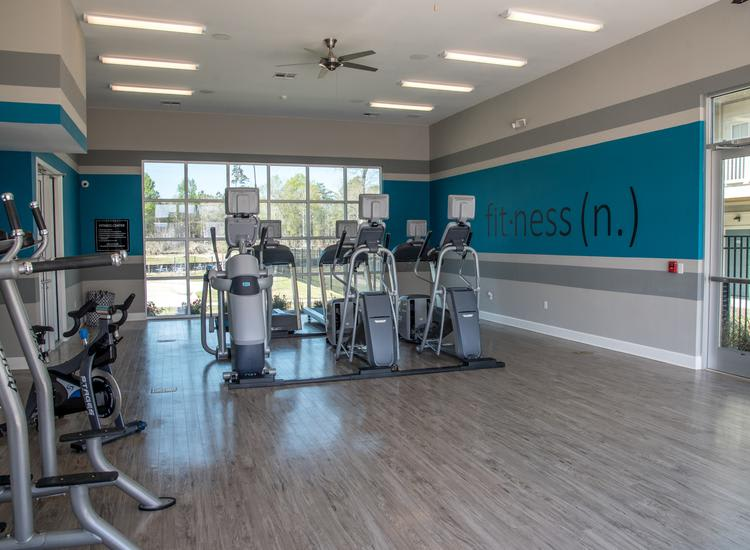fitness center at Springs at River Chase Apartments in Covington, LA