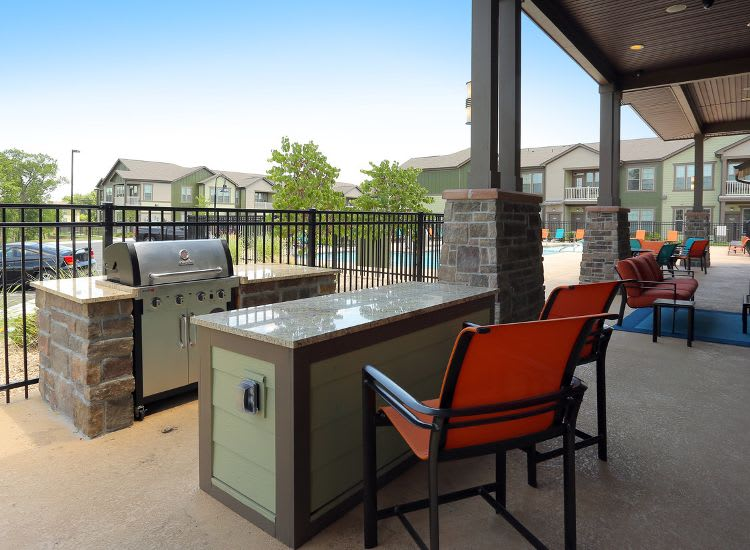 barbecue area at Springs at Woodlands South Apartments in Tulsa, OK