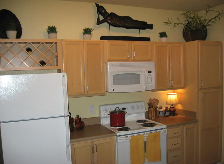 fully equipped kitchen at Springs at Palma Sola in Bradenton, FL