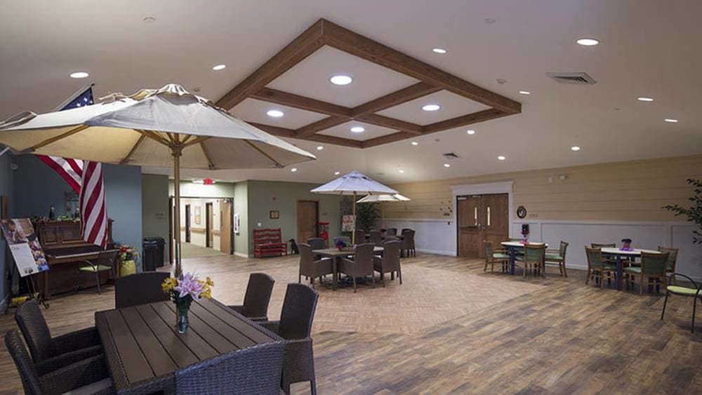 Lounge at Oxford Glen Memory Care at Owasso in Owasso, OK