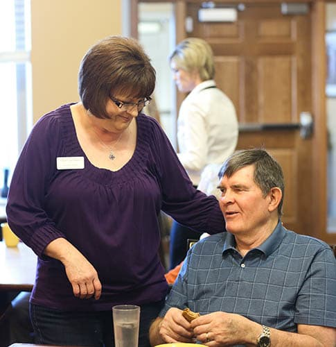 Dining at Glen Carr House Memory Care