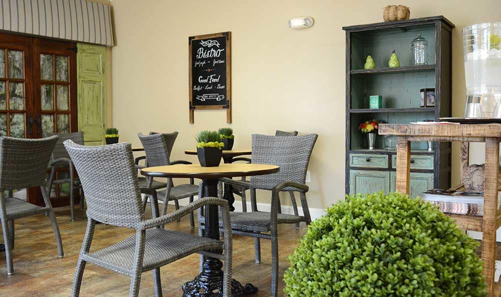 Sit and enjoy lunch in the bistro at Morning Pointe of Tuscaloosa