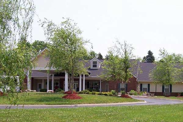 The Lantern at Morning Pointe Alzheimer's Center of Excellence, Clinton is ideally located in Clinton, Tennessee