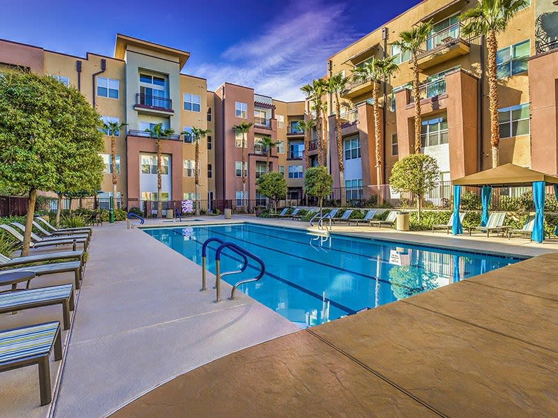 Lofts at 7100 resort-style pool