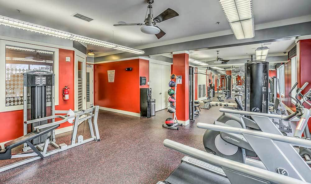 Lofts at 7100 offers a full fitness center in Las Vegas