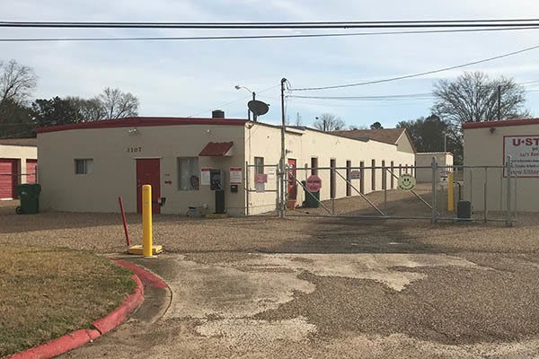 Drive-up Storage Units at U-Store-It in Texarkana, TX