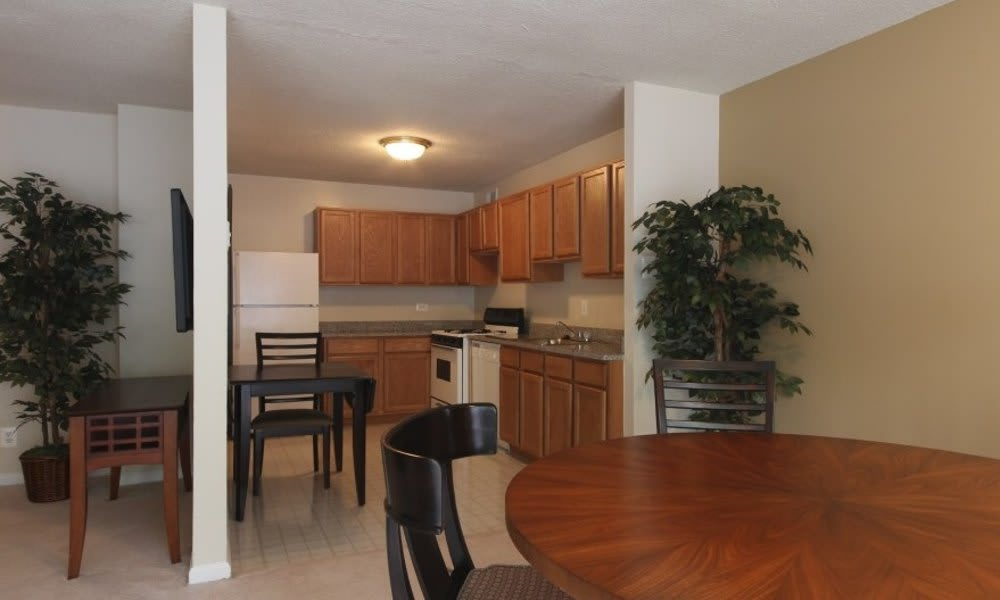Kitchen and dining area at Marbury Plaza in Washington
