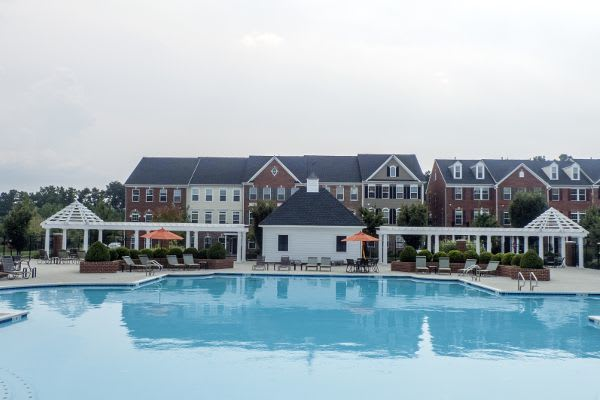 We boast a rooftop pool with skyline views, a state-of-the-art fitness center, and more here at The Flats at West Broad Village in Glen Allen.