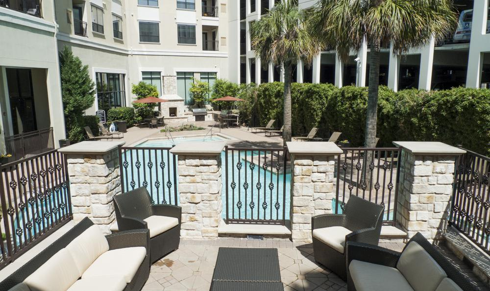 Meeting Area Near Pool at Elan At Bluffview Apartments in Dallas, TX