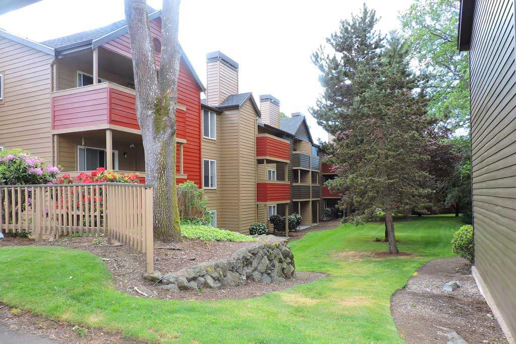 Well-manicured landscaping at Village at Seeley Lake in Lakewood