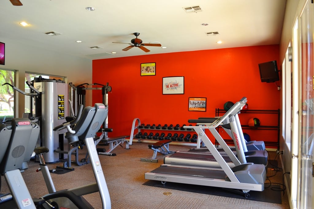 Fitness center at The Retreat Apartments