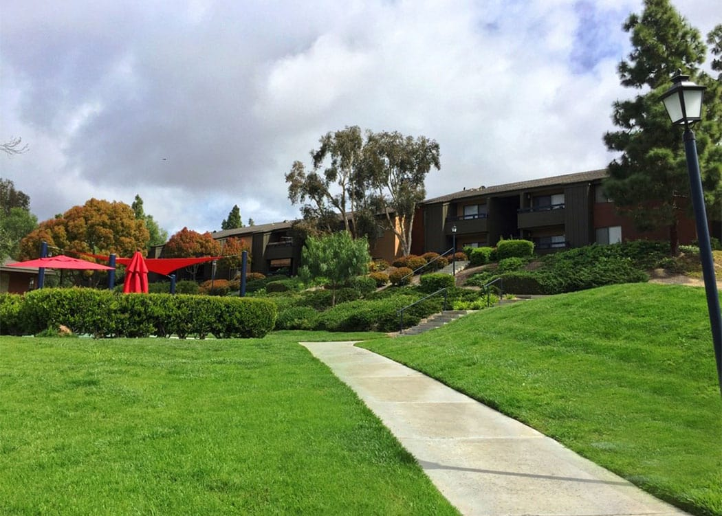 Incredibly well-manicured green lawns and landscaping at Presidio at Rancho Del Oro