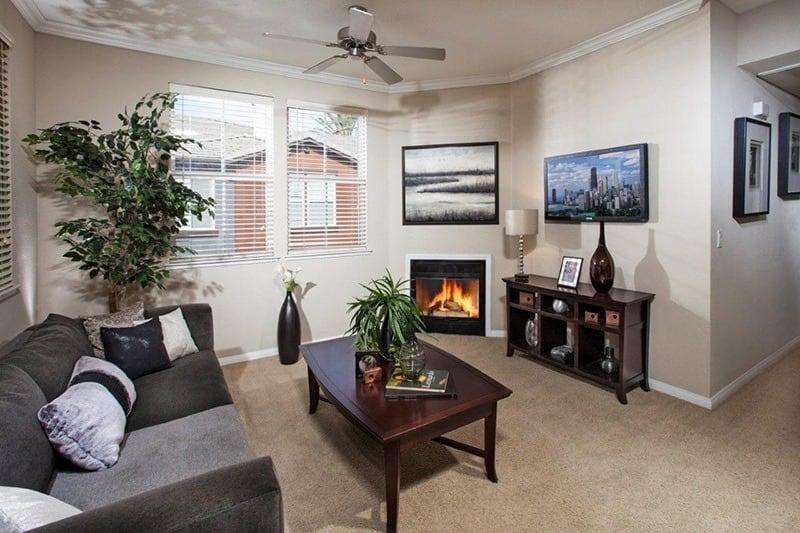 https://g5-assets-cld-res.cloudinary.com/image/upload/q_auto,f_auto,fl_lossy/g5/g5-c-j12fk7rx-davlyn-investments/g5-cl-1gztuort4z-vista-imperio-apartments/uploads/livingroom.jpg