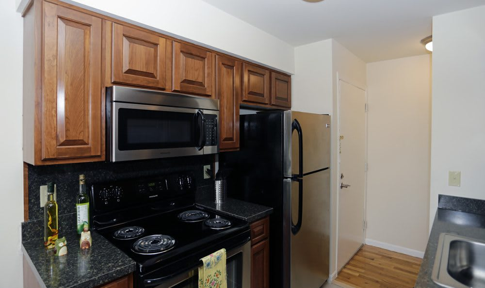 Fully-equipped kitchens at Coventry Square Apartments are perfect for the home cook.
