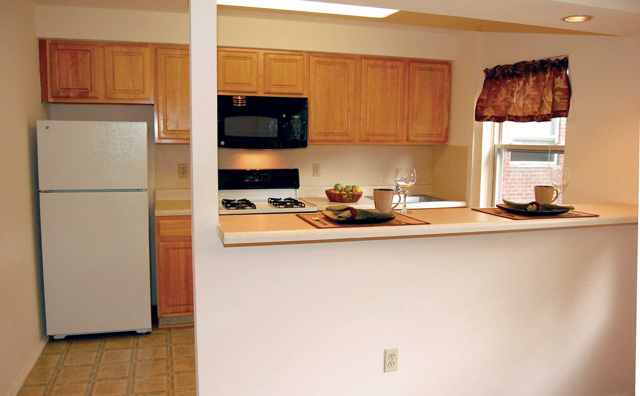 Lakeview Apartments is tranquil and away from the hustle and bustle of the Big Apple.