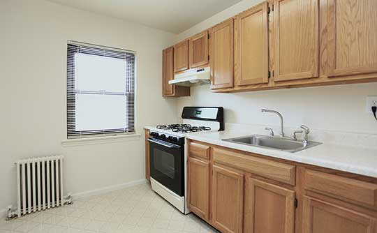 Fully-equipped kitchens at Skyline Apartments allow for endless culinary creations!