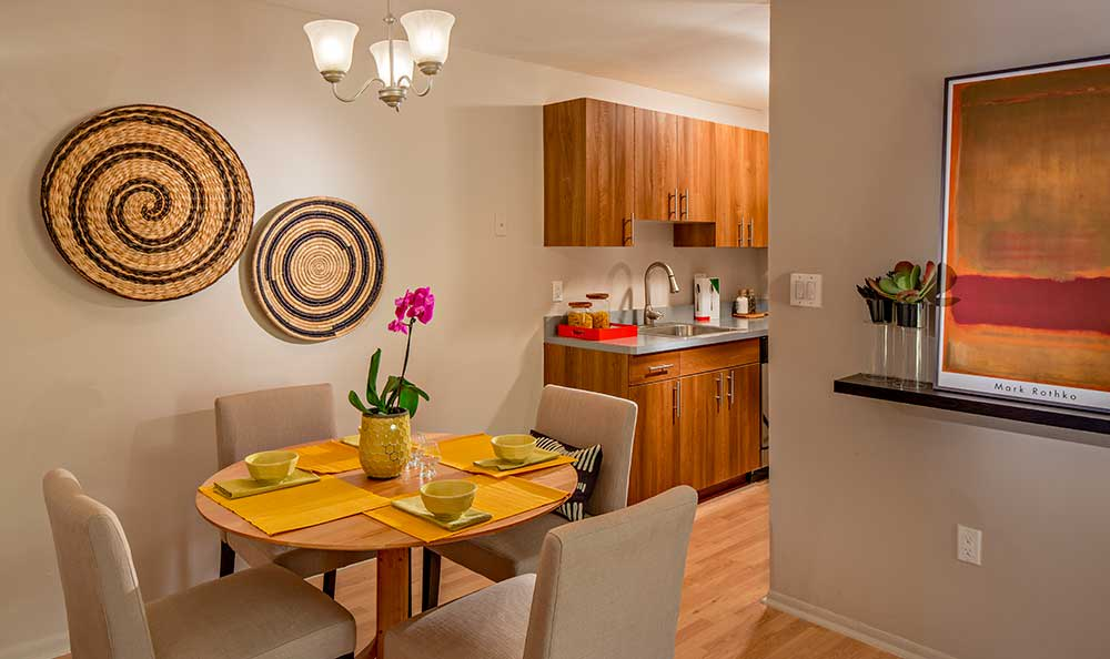 Kitchen and dining area at Quail Ridge Apartments