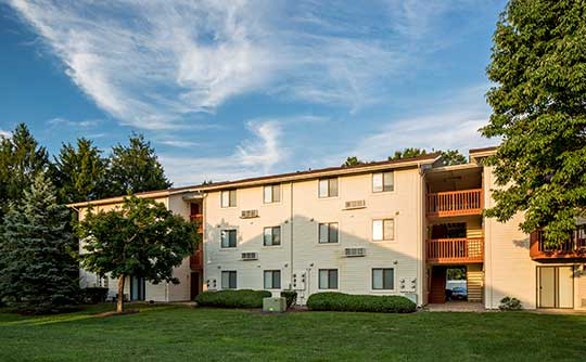 Quail Ridge Apartments is tranquil and away from the hustle and bustle of the Big Apple.