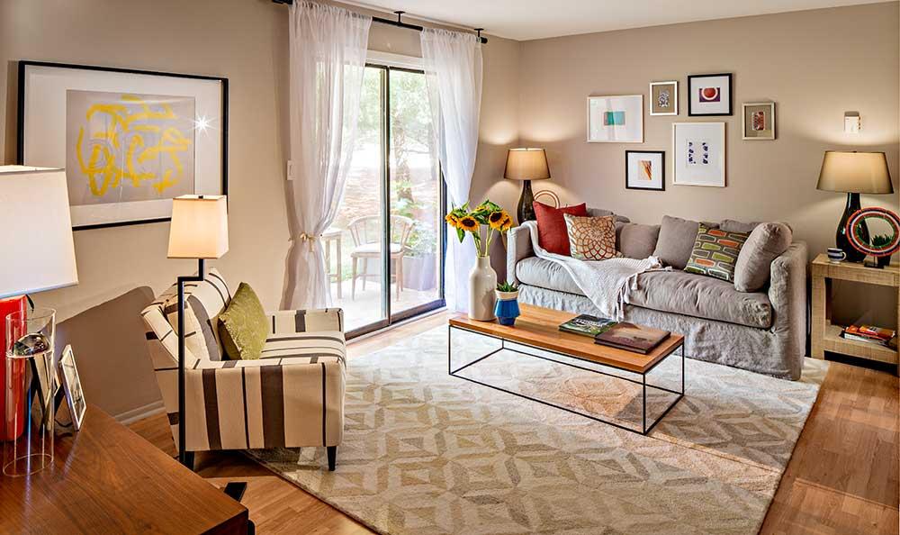 Quail Ridge Apartments model living room