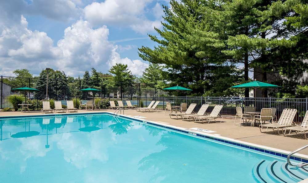 Quail Ridge Apartments pool