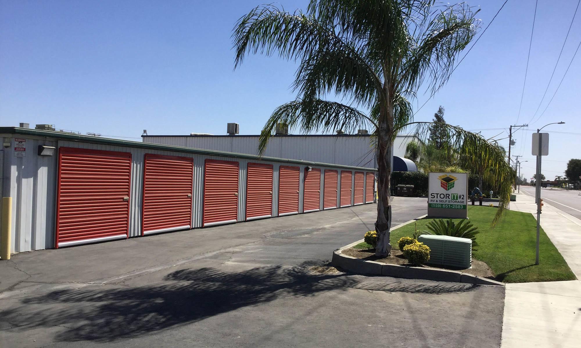 Self storage in Visalia CA