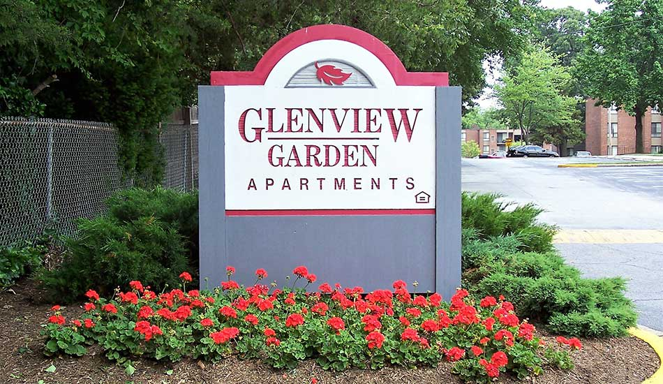 Glenview Gardens Apartments welcome sign