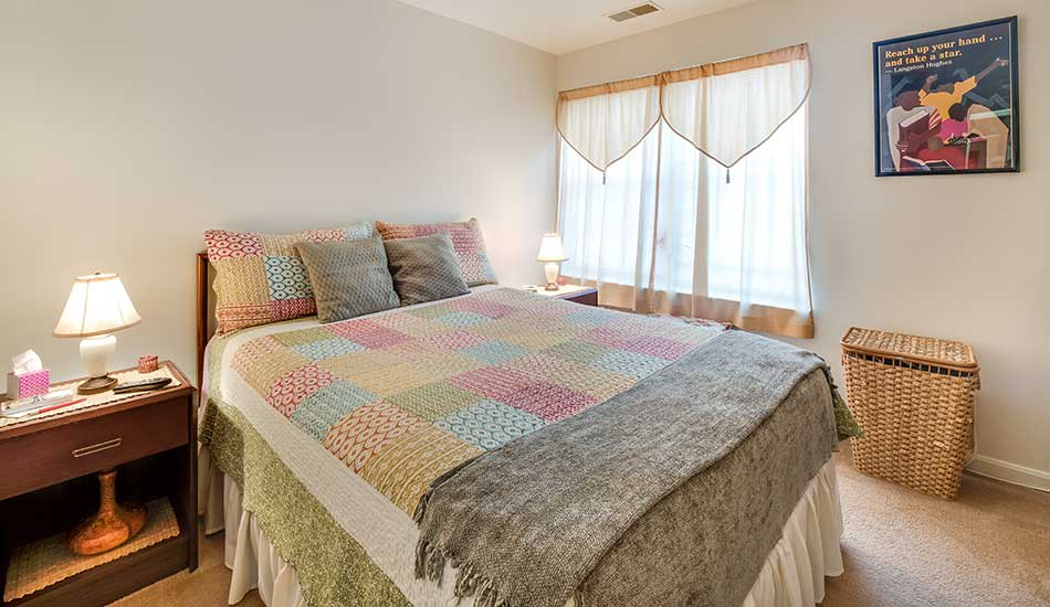 Guest bedroom at Edmondson Commons