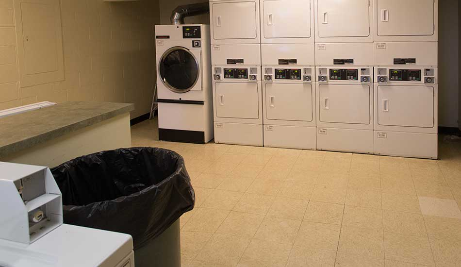 Laundry room at Gateway Plaza