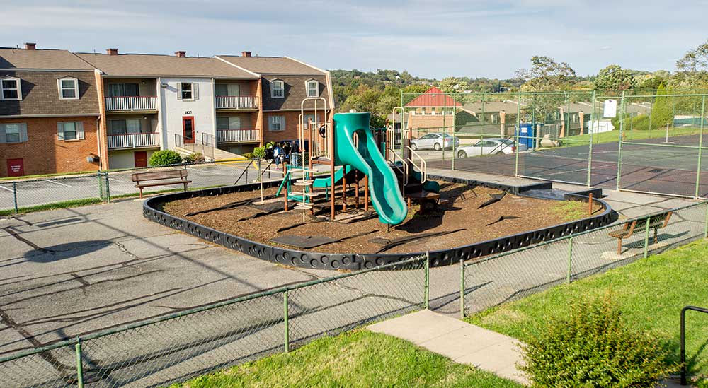 Summer Ridge Apartments playground