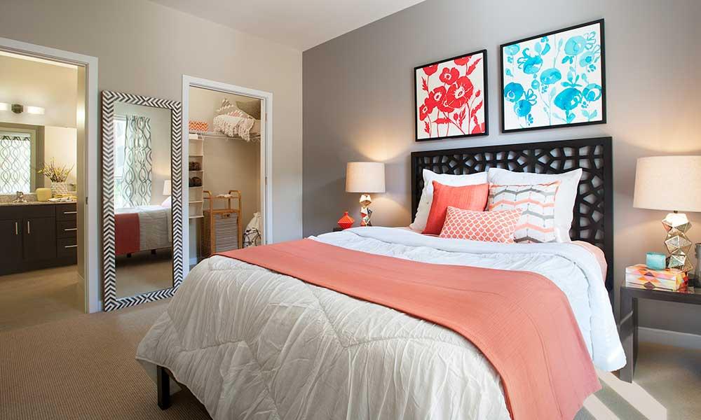 Master bedroom at Park 7 Apartments in Washington