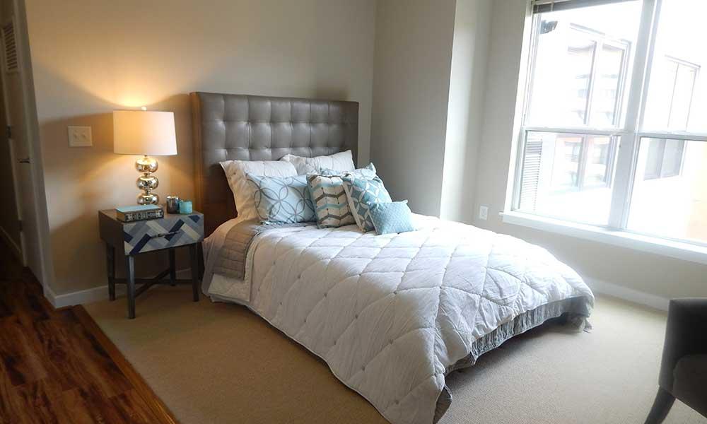 Park 7 Apartments Studio bedroom in Washington