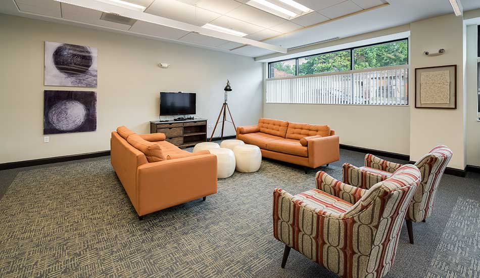 North Avenue Gateway resident lounge