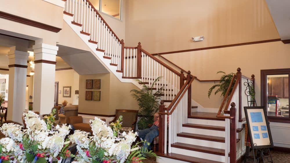 Well decorated lobby at Creekside At Three Rivers Assisted Living in Murfreesboro