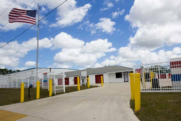 Front entrance at American Personal Storage in Port St Lucie