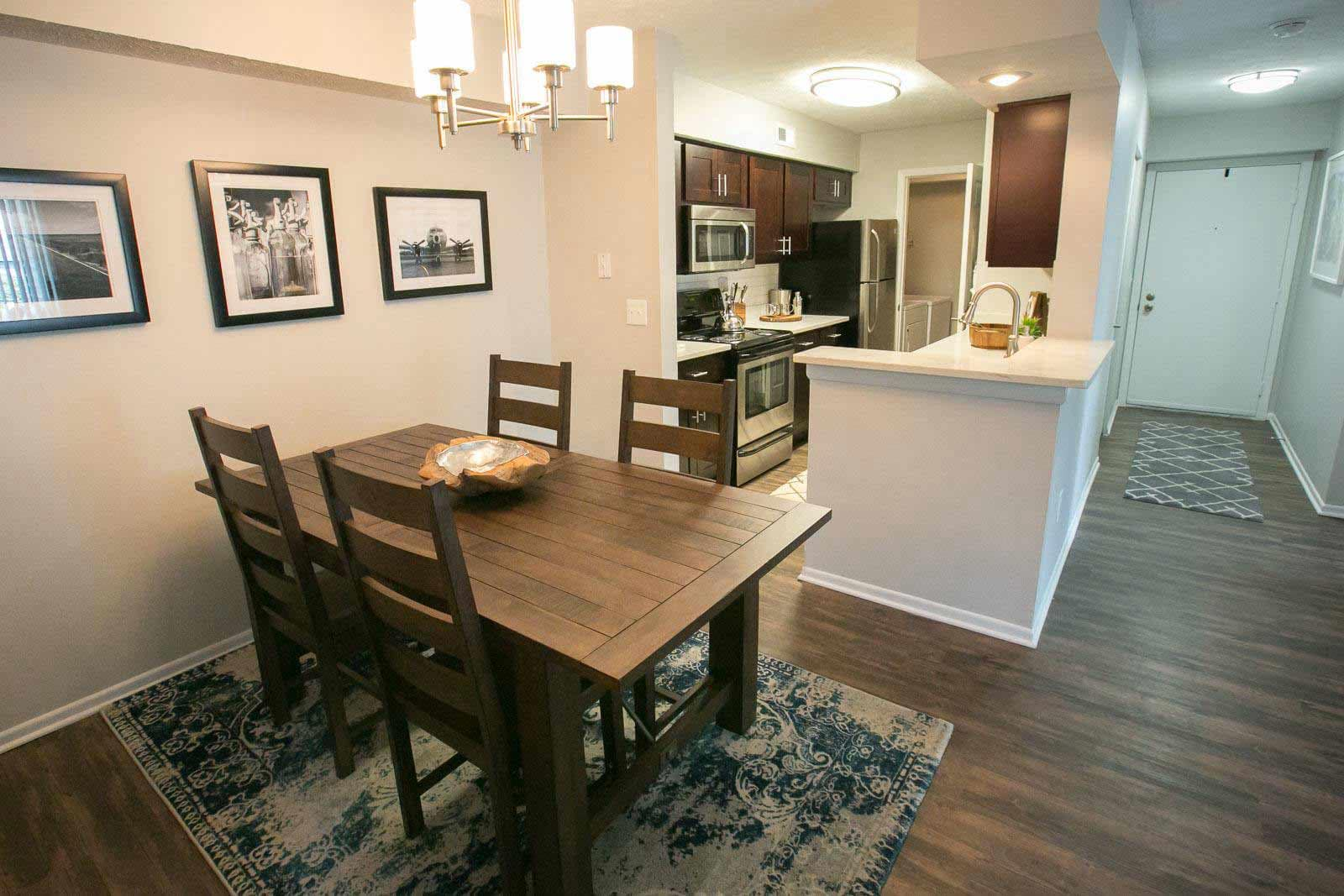 Dining room at Hunter's Chase Apartments