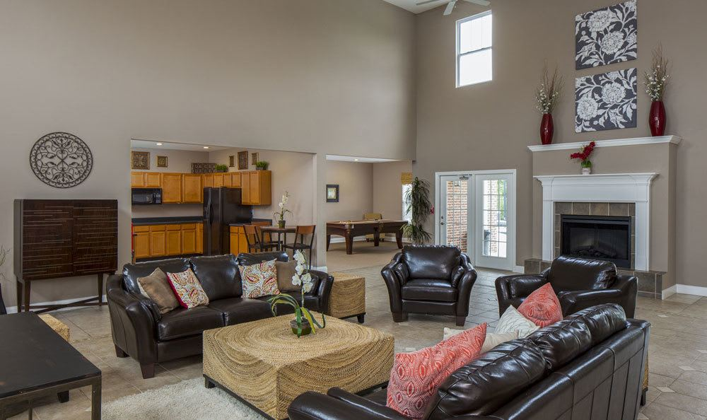Apartment clubhouse amenities in Lexington