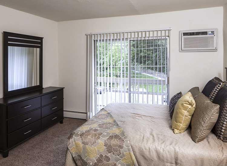Bedroom at Lakeshore Drive in Cincinnati, OH