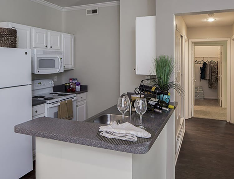 Well-designed kitchen at The Woods at Polaris Parkway in Westerville, OH