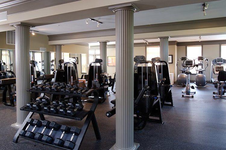 Fitness center at Worthington Luxury Apartments