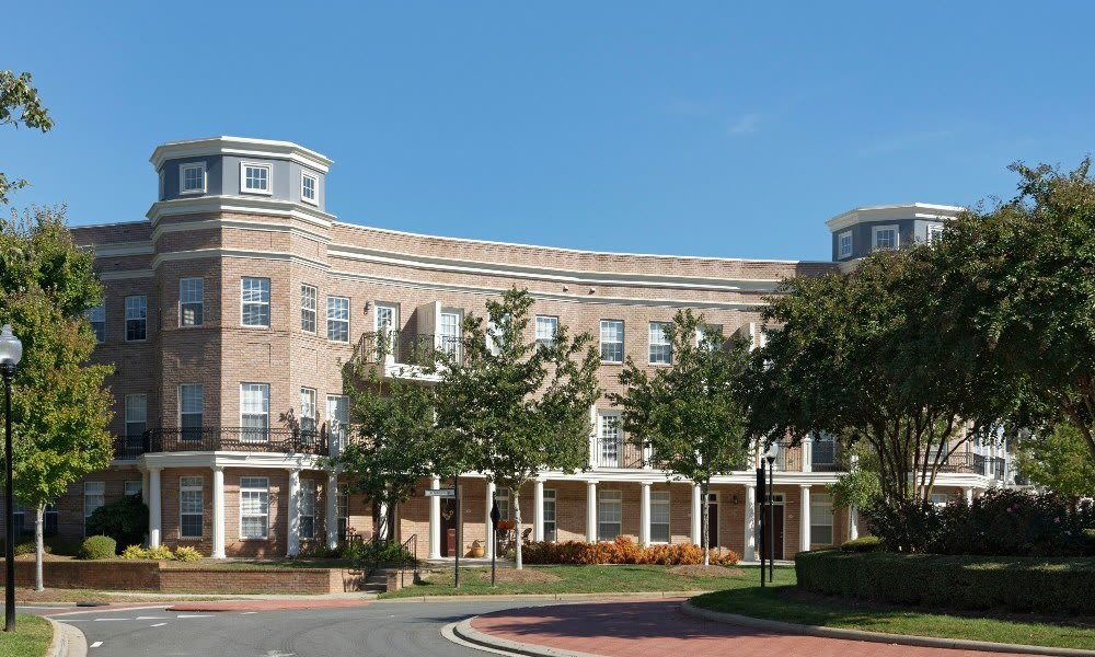 Call Worthington Luxury Apartments home in Charlotte, NC