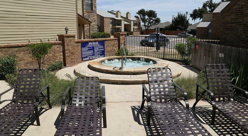 Meridian Apartment Homes has a hot tub!