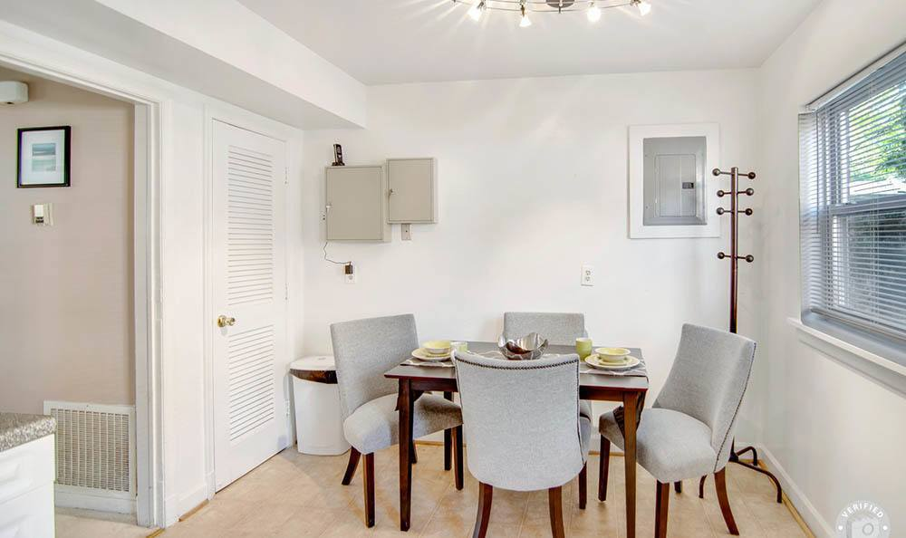 Dinning room at Heritage Pointe and Remuda Crossing
